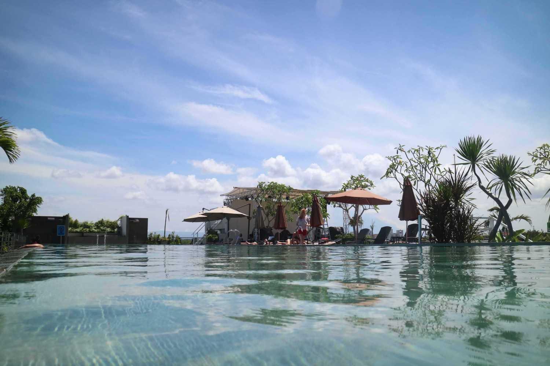 Monokroma Architect Golden Tulip Devinz Skyvilla Seminyak, Bali Seminyak, Bali Swimming Pool View Modern 29955