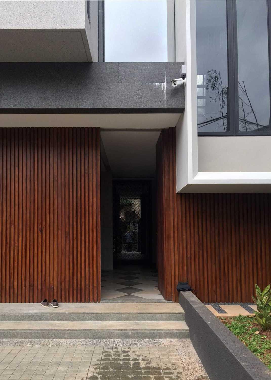 Monokroma Architect Dicky House   5-Pintu-Masuk Modern 33530