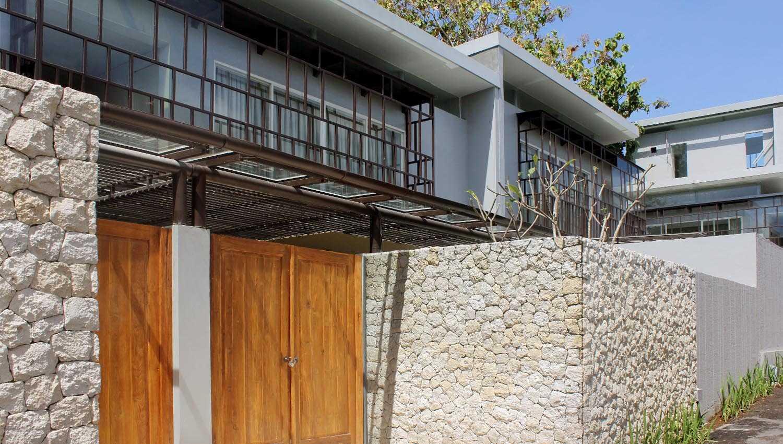 Monokroma Architect Bayview Garden Villa Bali The Studio One At Nusa Dua, Benoa, Kuta Sel., Kabupaten Badung, Bali, Indonesia The Studio One At Nusa Dua, Benoa, Kuta Sel., Kabupaten Badung, Bali, Indonesia Facade View Contemporary,modern,tropical,kontemporer,wood 35190