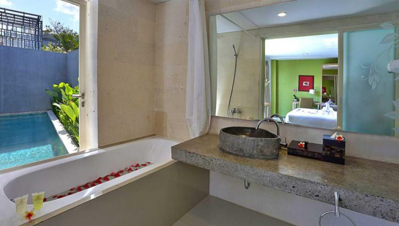 Foto inspirasi ide desain kamar mandi Bathroom oleh Monokroma Architect di Arsitag