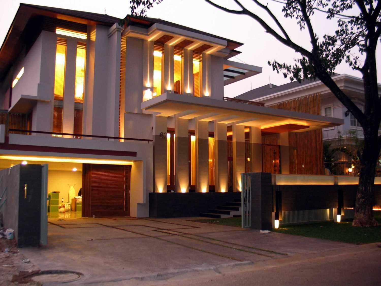 Herryj Architects Gv House Lippo Karawaci Lippo Karawaci Facade Tropis 23923