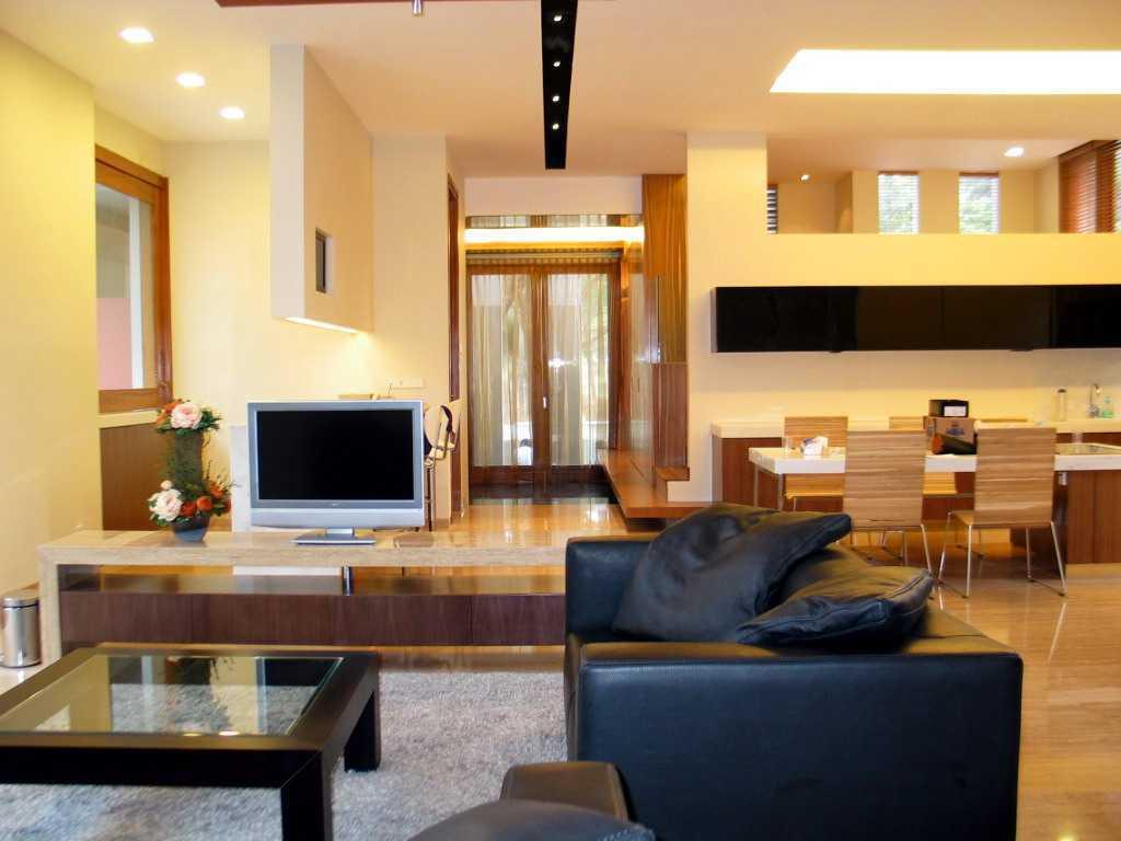 Herryj Architects Gv House Lippo Karawaci Lippo Karawaci Living Room Tropis 23928