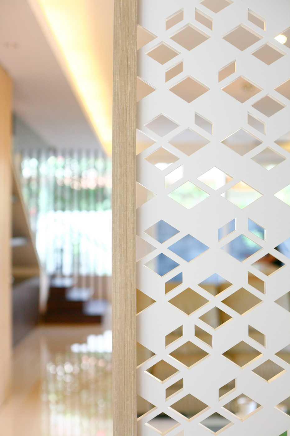 Herryj Architects Small House Tangerang Selatan Tangerang Selatan Img9835-Resize Tropis 23865