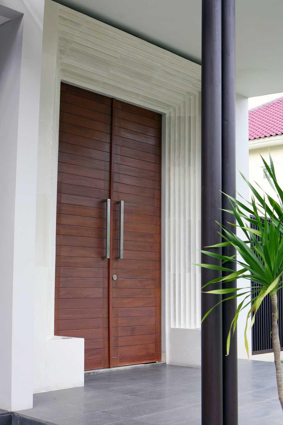 Herryj Architects Small House Tangerang Selatan Tangerang Selatan Img9862 Tropis 23870