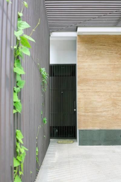 Herryj Architects Small House Tangerang Selatan Tangerang Selatan Img9757-Resize Tropis 5587