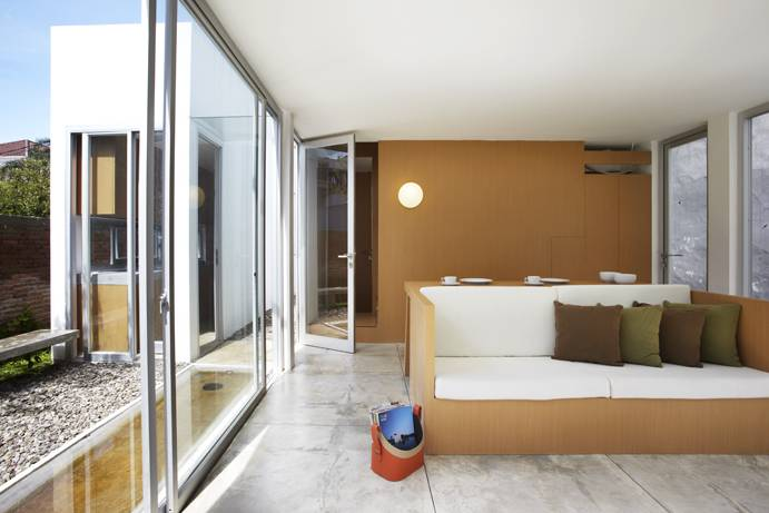 Sontang M Siregar R  House At Taman Laguna Cibubur, Jakarta, Indonesia Cibubur, Jakarta, Indonesia Living Room Minimalis 5997