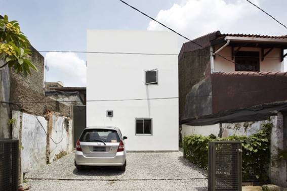 Sontang M Siregar Compact House  Jakarta, Indonesia Jakarta, Indonesia Compact House Front View  6079