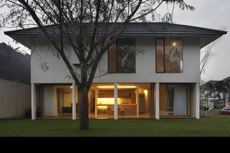 Sontang M Siregar House At Legenda Wisata Cibubur, Indonesia Cibubur, Indonesia Front-View Tropis 6061