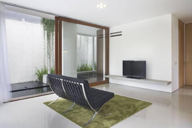 Sontang M Siregar House At Legenda Wisata Cibubur, Indonesia Cibubur, Indonesia Livingroom-3 Tropis 6065