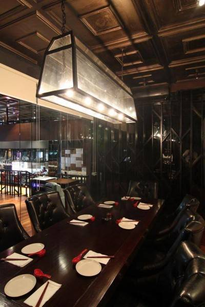 Julio Julianto The Momo Restaurant And Bar At Senopati Jakarta, Indonesia Jakarta, Indonesia Dining-Table-3 Kontemporer 5880