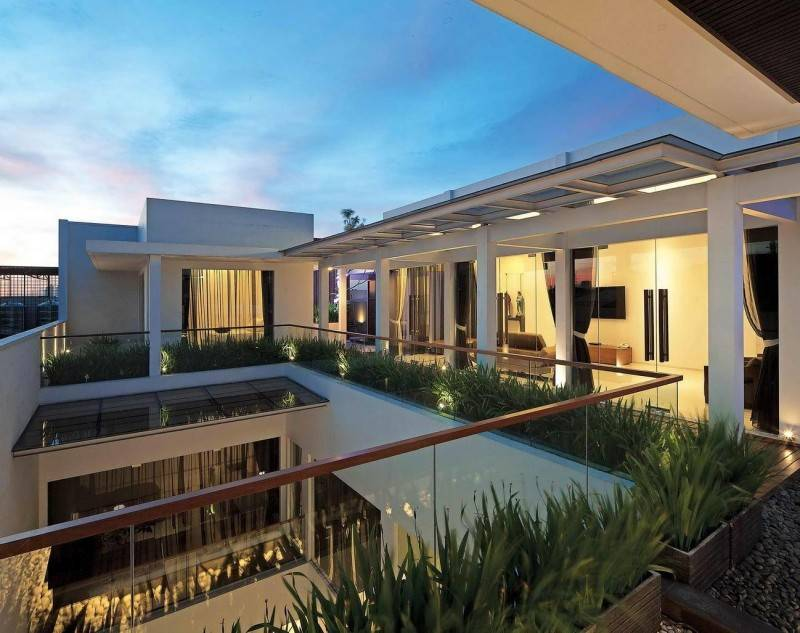 Julio Julianto The Minimal White House At Jimbaran Asri Bali, Indonesia Bali, Indonesia Perspective-4 Modern 5913