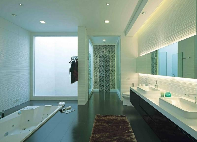 Julio Julianto The Minimal White House At Jimbaran Asri Bali, Indonesia Bali, Indonesia Bathroom Modern 5917