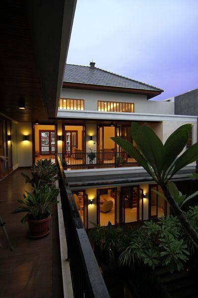 Julio Julianto Balinese Modern House At Pantai Indah Kapuk Jakarta, Indonesia Jakarta, Indonesia Balcony-View Modern 5941