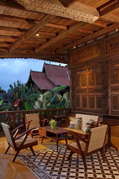 Foto inspirasi ide desain rumah kontemporer Gebyok-porch1 oleh Iwan Sastrawiguna di Arsitag
