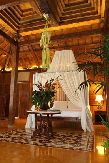 Iwan Sastrawiguna Javanese Reclaimed Wooden House Indonesia Indonesia Limasan-Bedroom Kontemporer 6645