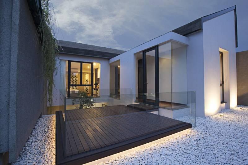 Adria Yurike Architects Bangka House Bangka, Mampang Prapatan, South Jakarta City, Jakarta, Indonesia Jakarta, Indonesia Deck On Rooftop  6928
