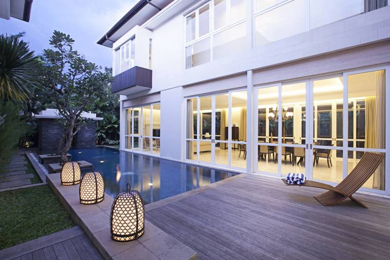 Adria Yurike Architects Taman Cilandak House South Jakarta, Indonesia South Jakarta, Indonesia Swimming Area  6934