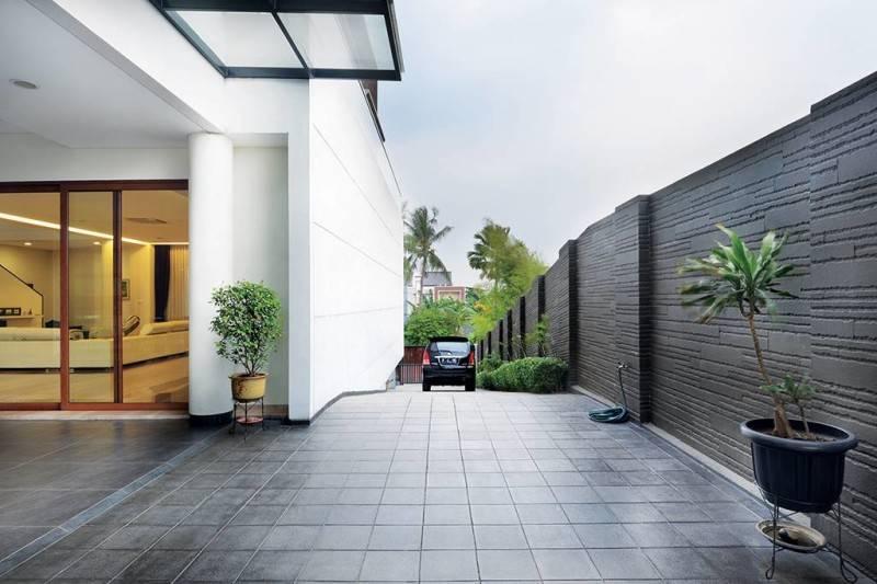 Studio Denny Setiawan Green Garden House Jakarta, Indonesia Jakarta, Indonesia Parking-Area  7395