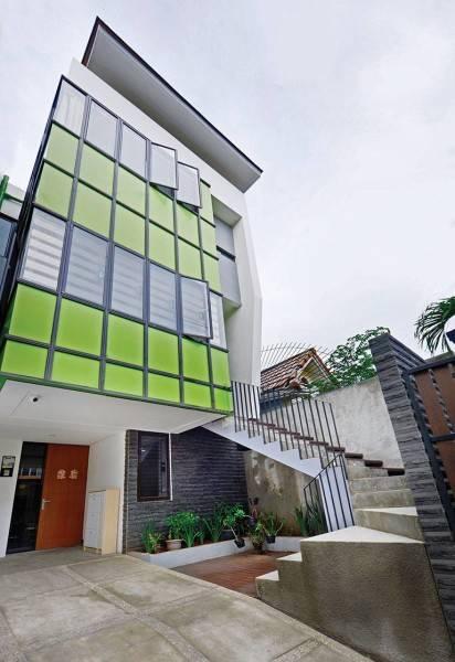 Studio Denny Setiawan Citra Garden House Jakarta, Indonesia Jakarta, Indonesia Front-View  7419
