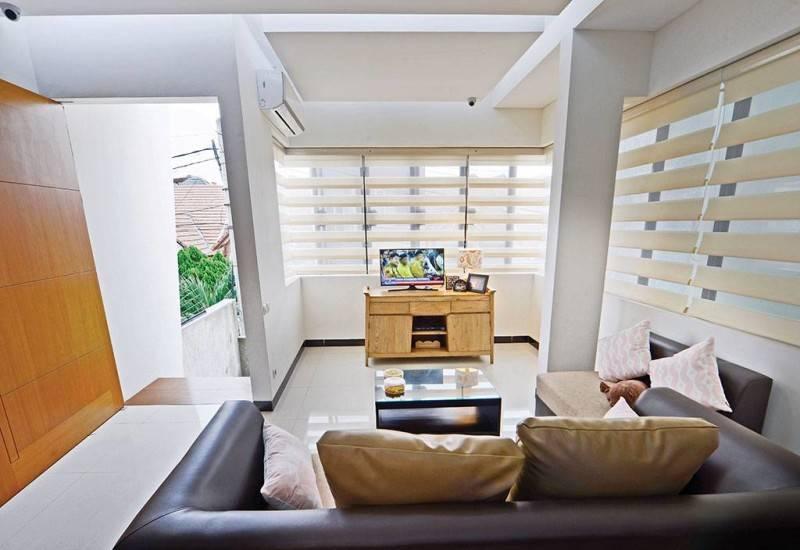 Studio Denny Setiawan Citra Garden House Jakarta, Indonesia Jakarta, Indonesia Livingroom-View-1  7421