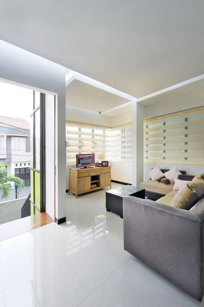 Studio Denny Setiawan Citra Garden House Jakarta, Indonesia Jakarta, Indonesia Livingroom-View-2  7422