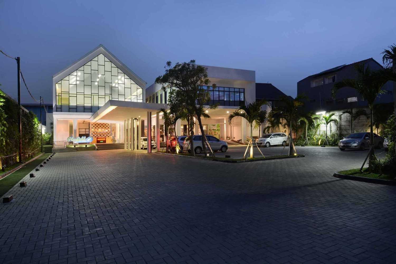 Studio Denny Setiawan Playfield Kids Academy West Jakarta West Jakarta Parking Area  23516