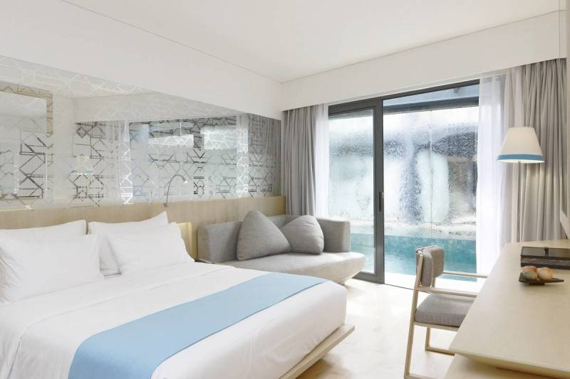 Antony Liu + Ferry Ridwan / Studio Tonton Ize Hotel Seminyak, Bali Seminyak, Bali Hotel Room Modern 7924