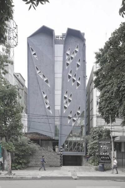Foto inspirasi ide desain exterior minimalis Kosenda hotel - facade oleh Antony Liu + Ferry Ridwan / Studio TonTon di Arsitag