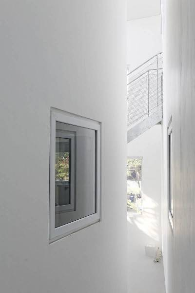 Antony Liu + Ferry Ridwan / Studio Tonton Griya Anugerah (Polyclinic) Tangerang, Banten, Indonesia Tangerang, Banten, Indonesia Interior Modern 7952