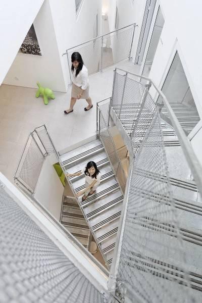 Antony Liu + Ferry Ridwan / Studio Tonton Griya Anugerah (Polyclinic) Tangerang, Banten, Indonesia Tangerang, Banten, Indonesia Staircase Modern 7957