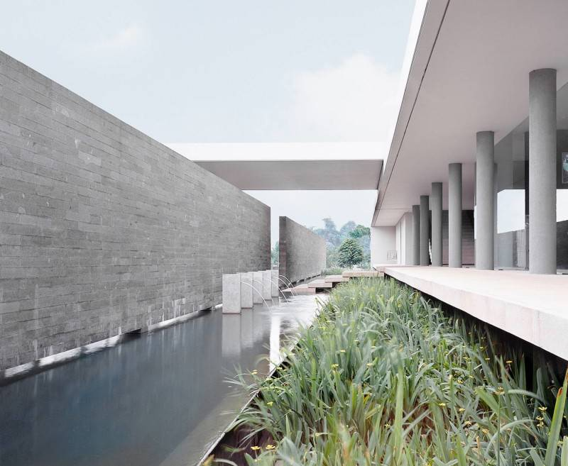 Foto inspirasi ide desain kolam minimalis Garden oleh Antony Liu + Ferry Ridwan / Studio TonTon di Arsitag