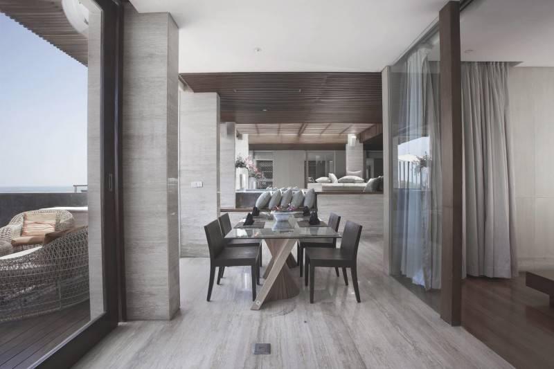 Foto inspirasi ide desain ruang makan Dining area oleh Antony Liu + Ferry Ridwan / Studio TonTon di Arsitag