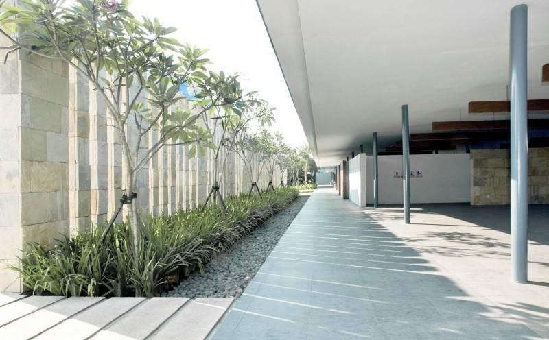 Foto inspirasi ide desain taman minimalis Waterbom oleh Antony Liu + Ferry Ridwan / Studio TonTon di Arsitag
