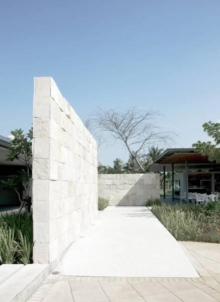 Antony Liu + Ferry Ridwan / Studio Tonton Waterbom Pik Pantai Indah Kapuk, Jakarta Pantai Indah Kapuk, Jakarta Brick Wall Modern 8048