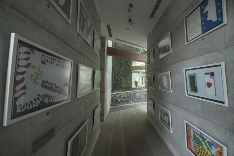 Foto inspirasi ide desain industrial Corridor oleh Antony Liu + Ferry Ridwan / Studio TonTon di Arsitag