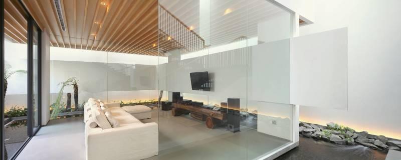 Antony Liu + Ferry Ridwan / Studio Tonton Mm House Permata Buana, Jakarta, Indonesia Permata Buana, Jakarta, Indonesia Family Room Modern 8163