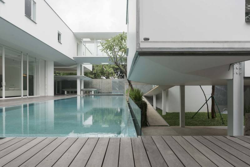 Antony Liu + Ferry Ridwan / Studio Tonton Is House Tangerang Tangerang Swimming Pool Modern 8175