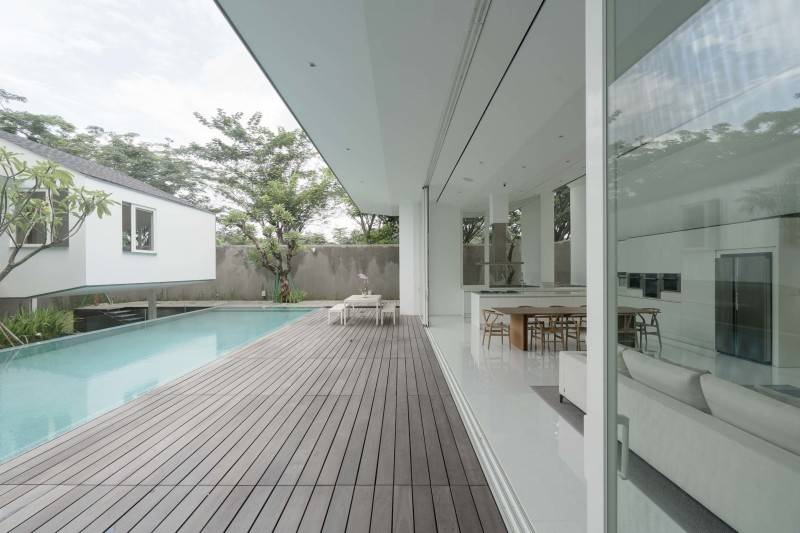Antony Liu + Ferry Ridwan / Studio Tonton Is House Tangerang Tangerang Swimming Pool Area Modern 8176