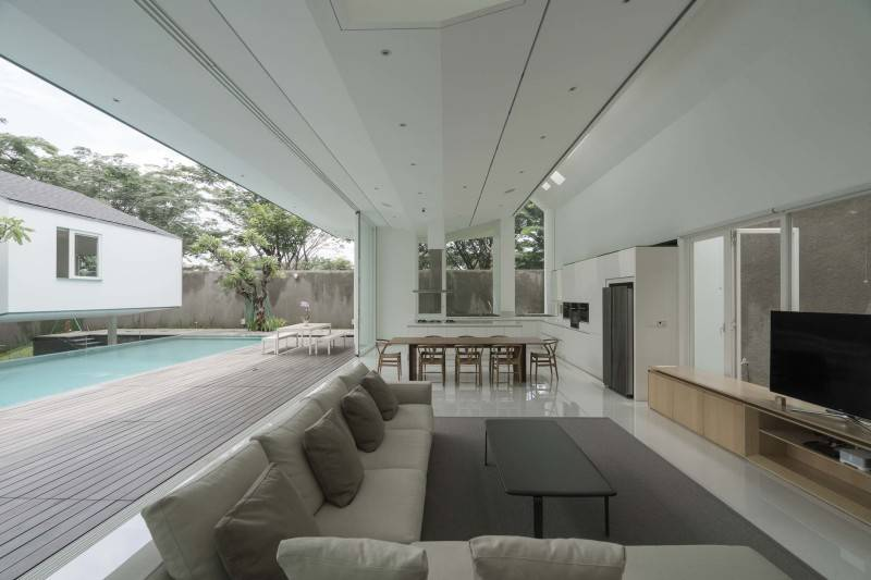 Antony Liu + Ferry Ridwan / Studio Tonton Is House Tangerang Tangerang Family Room Modern 8177