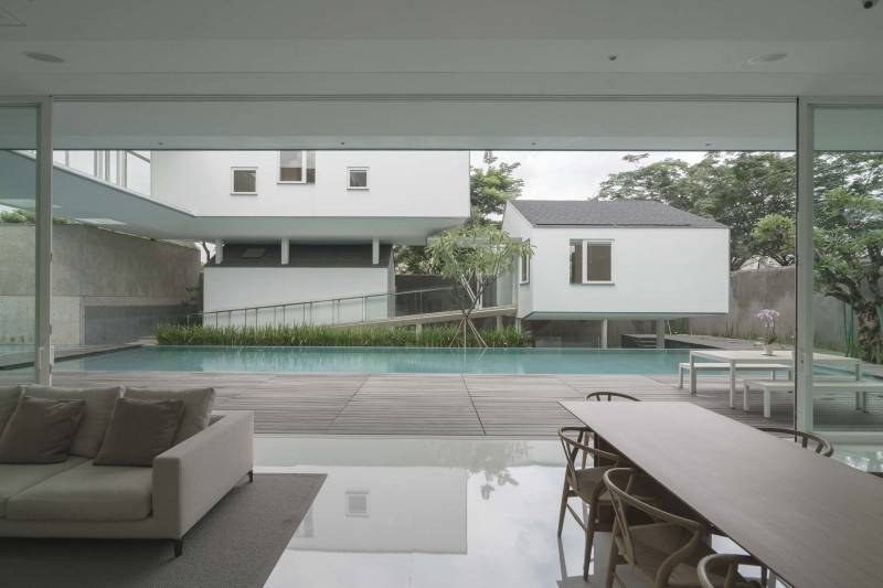 Antony Liu + Ferry Ridwan / Studio Tonton Is House Tangerang Tangerang Swimming Pool View Modern 8178