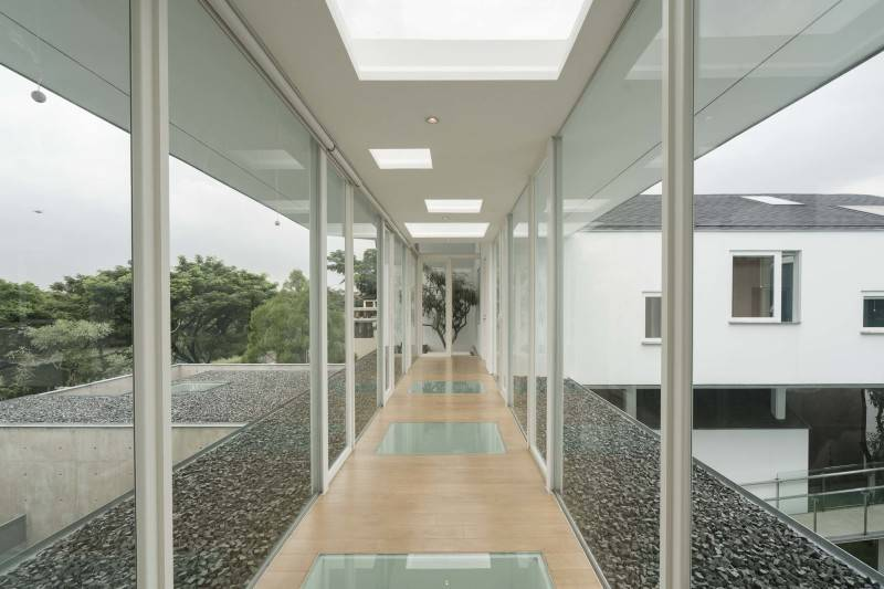 Antony Liu + Ferry Ridwan / Studio Tonton Is House Tangerang Tangerang Is House - Corridor Modern 8185