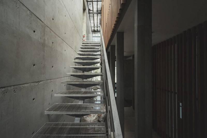 Antony Liu + Ferry Ridwan / Studio Tonton L+L House Tanah Teduh, Jakarta, Indonesia Tanah Teduh, Jakarta, Indonesia Stairs Modern 8208