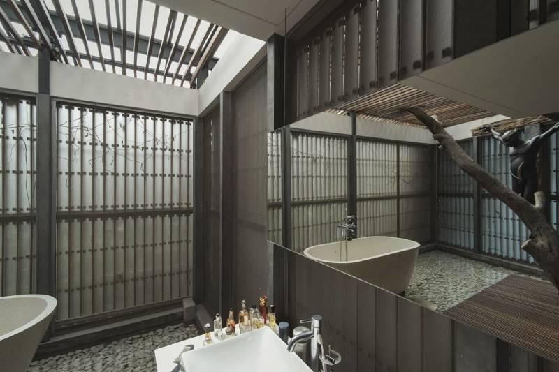 Antony Liu + Ferry Ridwan / Studio Tonton L+L House Tanah Teduh, Jakarta, Indonesia Tanah Teduh, Jakarta, Indonesia Bathroom Modern 8211