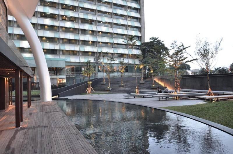 Andramatin Ramayana Jakarta, Indonesia Jakarta, Indonesia Courtyard  8237