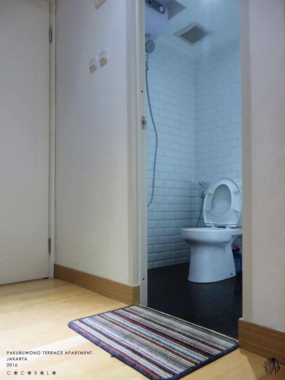 Cocobolo Studio Mj's Apartment Pakubuwono Apartment, Jakarta Pakubuwono Apartment, Jakarta Toilet Minimalis 13684