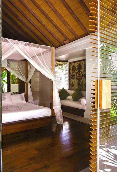 Foto inspirasi ide desain kamar tidur tropis 2-batu-jimbar-residence-5 oleh IMAGO DESIGN STUDIO di Arsitag