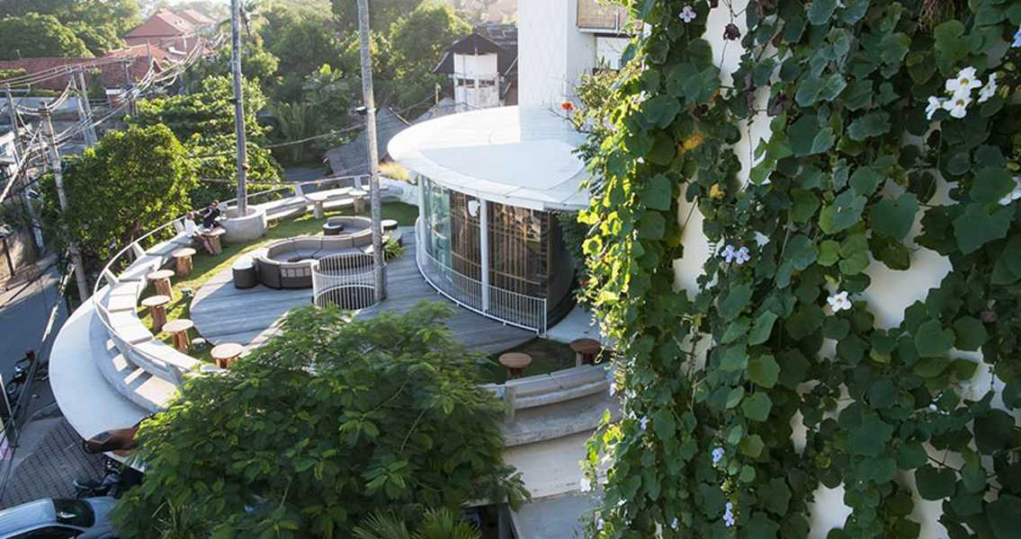 Foto inspirasi ide desain atap modern Rooftop area oleh IMAGO DESIGN STUDIO di Arsitag