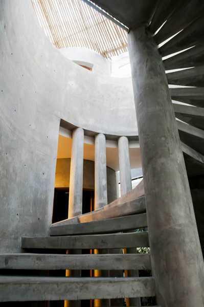 Foto inspirasi ide desain tangga Stairs oleh IMAGO DESIGN STUDIO di Arsitag