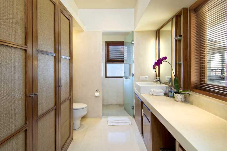 Imago Design Studio Villa Champa Balangan, Bali Balangan, Bali Bathroom Tropis 9158