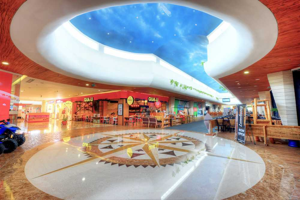 Foto inspirasi ide desain atap kontemporer Lombok epicentrum mall interior 2nd floor f&b corridor oleh MTA di Arsitag